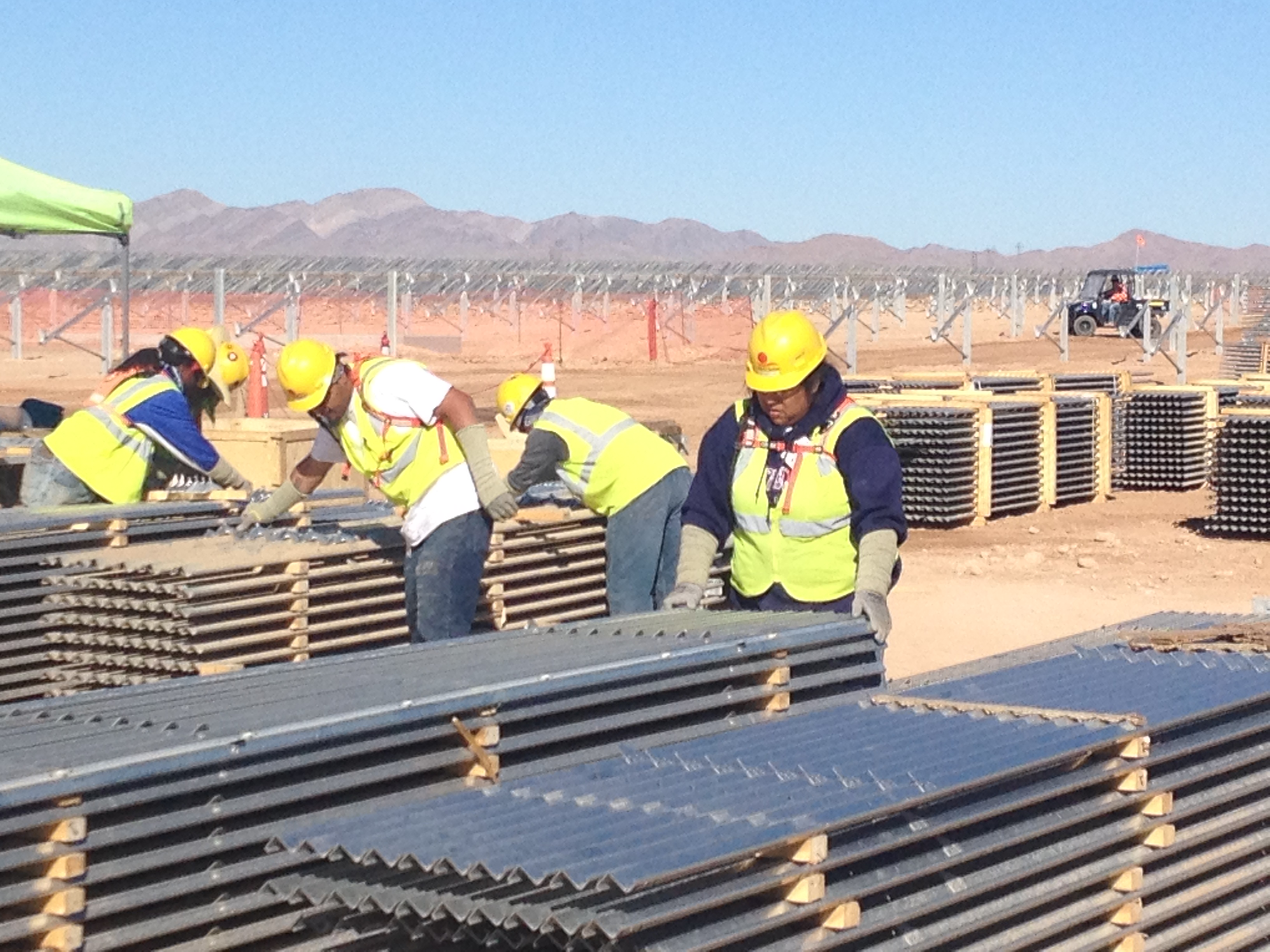Workers install 250-MW solar project on the Moapa Indian River Reservation in southern Nevada